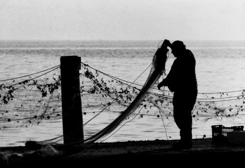 Pescatore reti bn